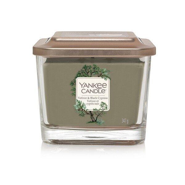 Yankee Candle Vetiver and Black Cypress świeca średnia