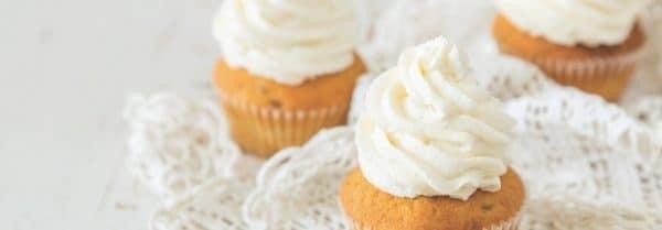 Country Candle Vanilla Cupcake świeca zapachowa (652g)
